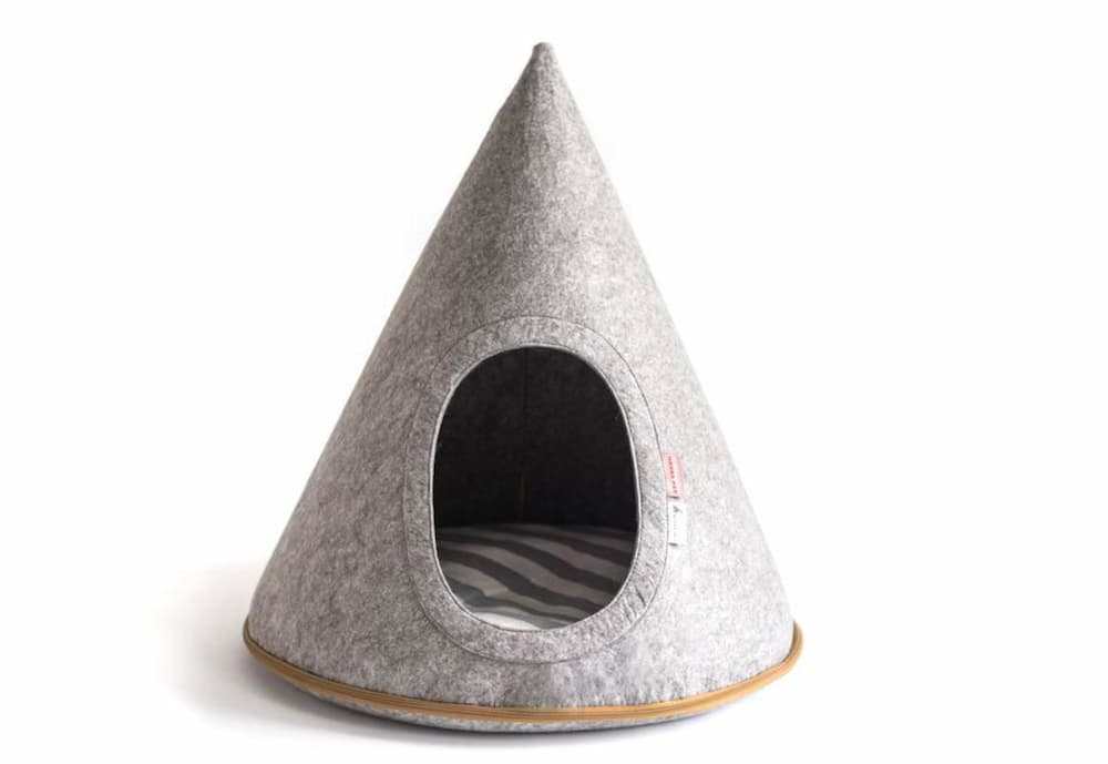 Flannel Teepee Dog Bed